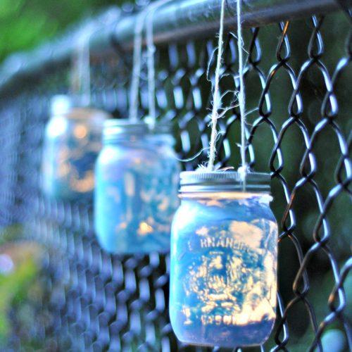 Kids' Crafts: Mason Jar Lanterns