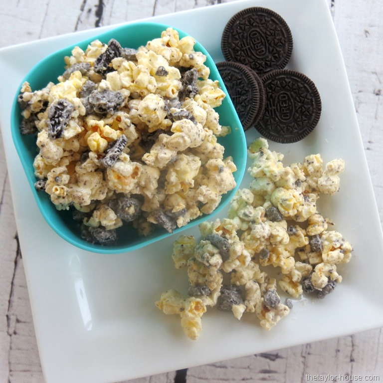 Cookies and Cream Popcorn Recipe - The Taylor House
