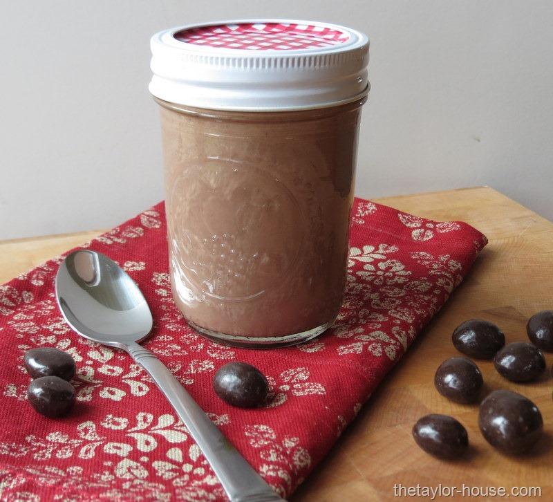 Super Easy Homemade Peppermint Mocha
