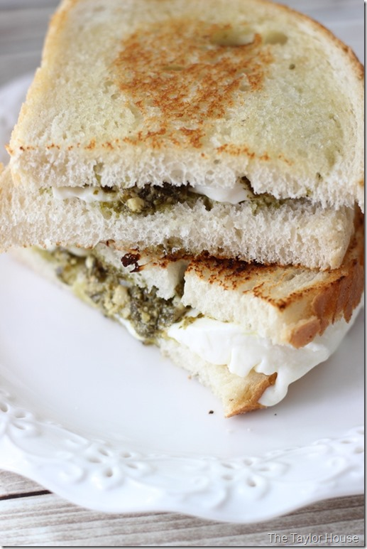 Mozzarella Pesto Grilled Cheese Sandwich, Grilled Cheese Sandwich