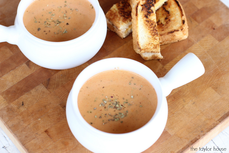 Delicious Homemade Dairy Free Tomato Bisque Soup!