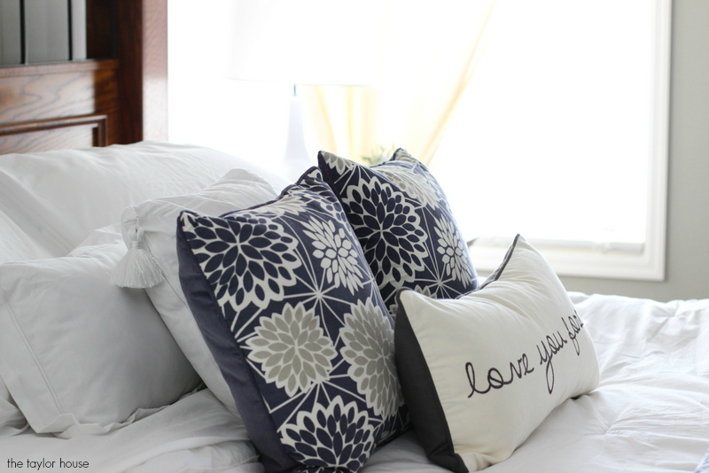 Simple Ideas for an Easy Bedroom Makeover!