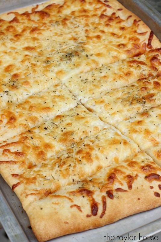 How to make Homemade Parmesan Garlic Cheese Bread.