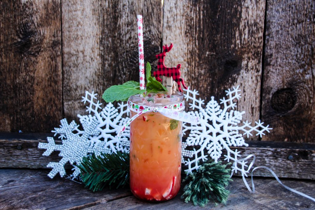The perfect Holiday Blitzen Grapefruit Mocktail!