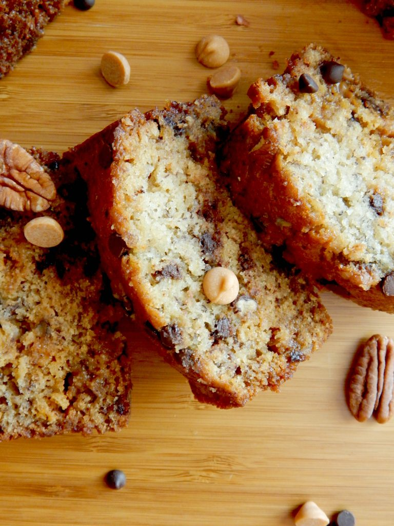 junk in the trunk banana bread4.jpg