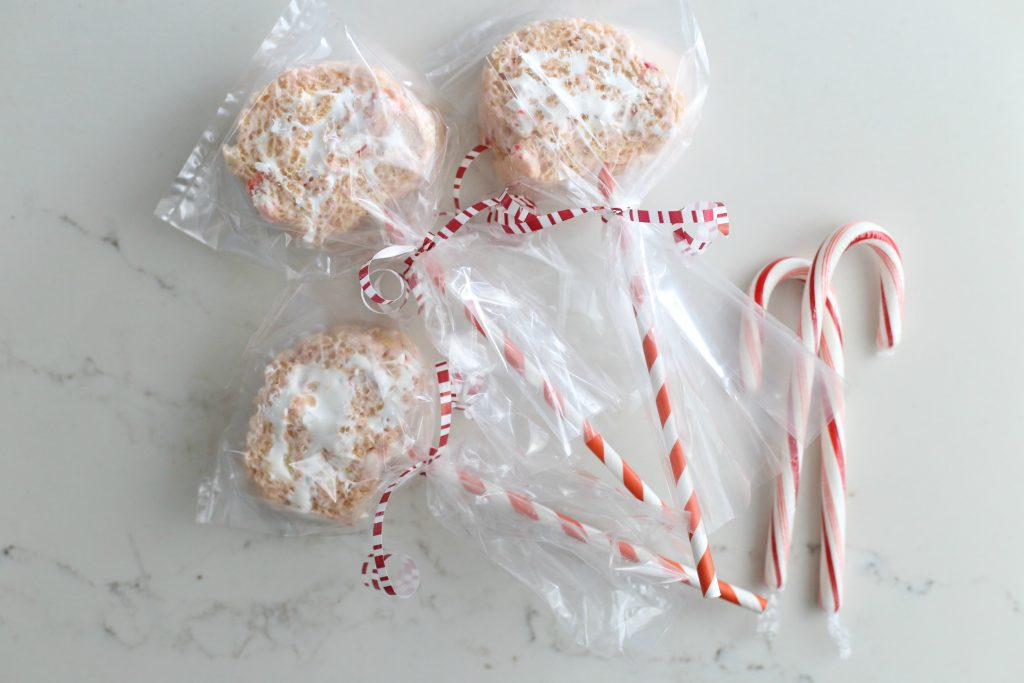 Peppermint Pinwheel Pops