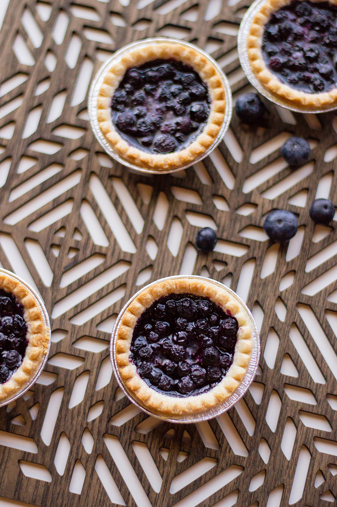 Easy Blueberry Pie Recipe (Mini)