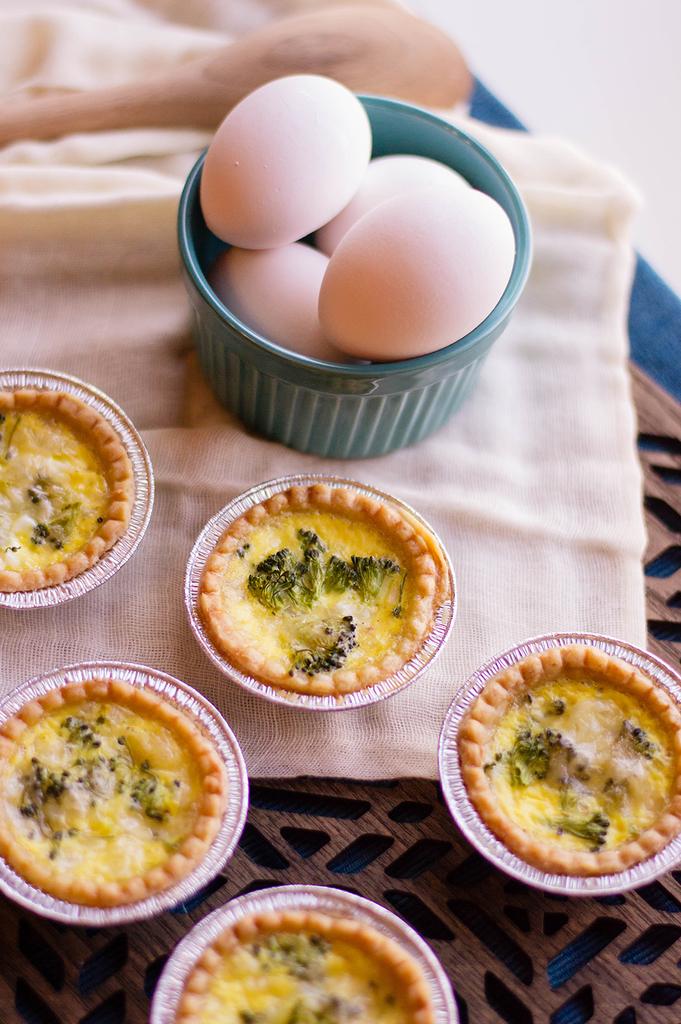 Mini Breakfast Quiche with Broccoli