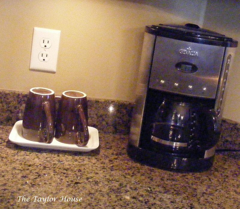 Organize Kitchen Counters: Organizing Kitchen Counters
