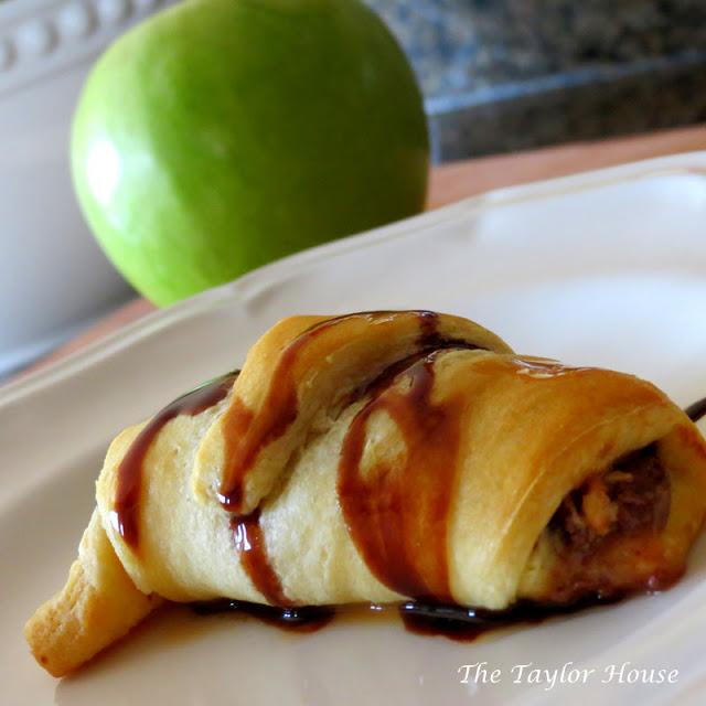 mini apple pie, snickers apple pie, apple pie from crescent rolls