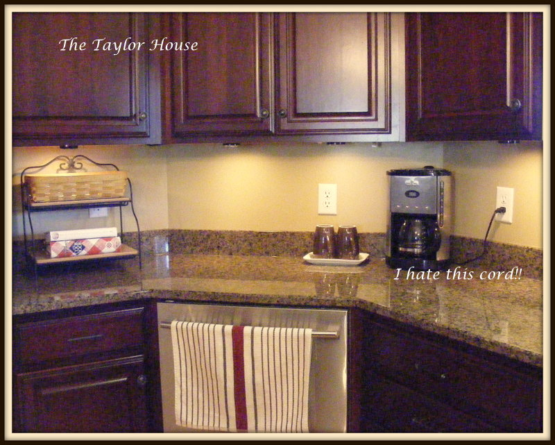 organizing kitchen cabinets small kitchen organizing kitchen counters the house 7222