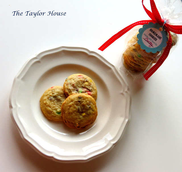 Chocolate chip cookie recipe, tips on making chocolate chip cookies, printable cookie tag