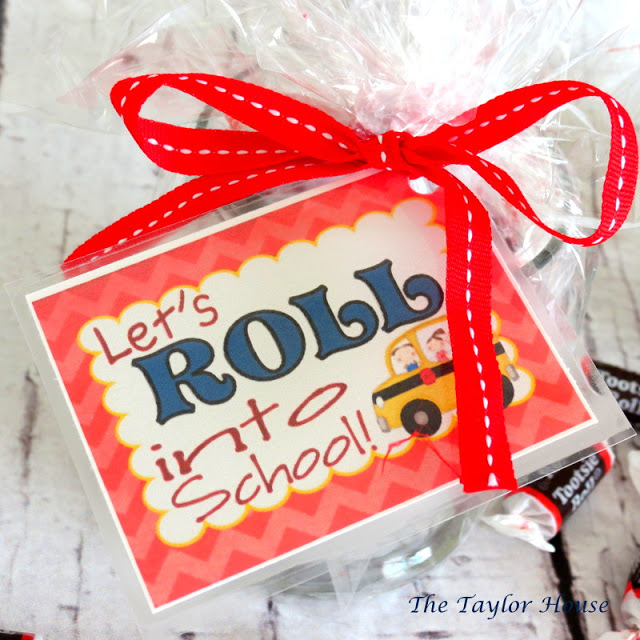 Back to School Teacher Gift, easy and cheap teacher gift, tootsie roll gift