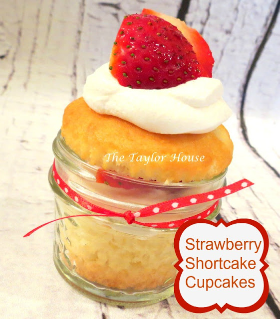 strawberry Strawberry Shortcake Cupcakes #CoolWhipFrosting #Cbias