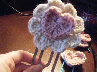 How to crochet a heart & make an easy bookmark