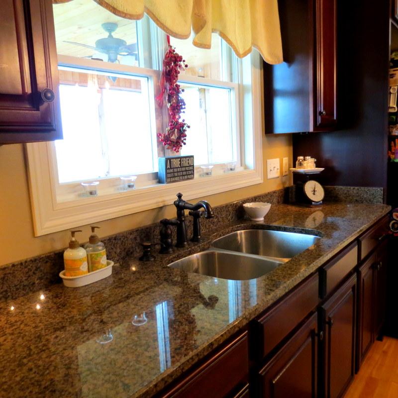 Organize Kitchen Counters: Kitchen Organization Tips