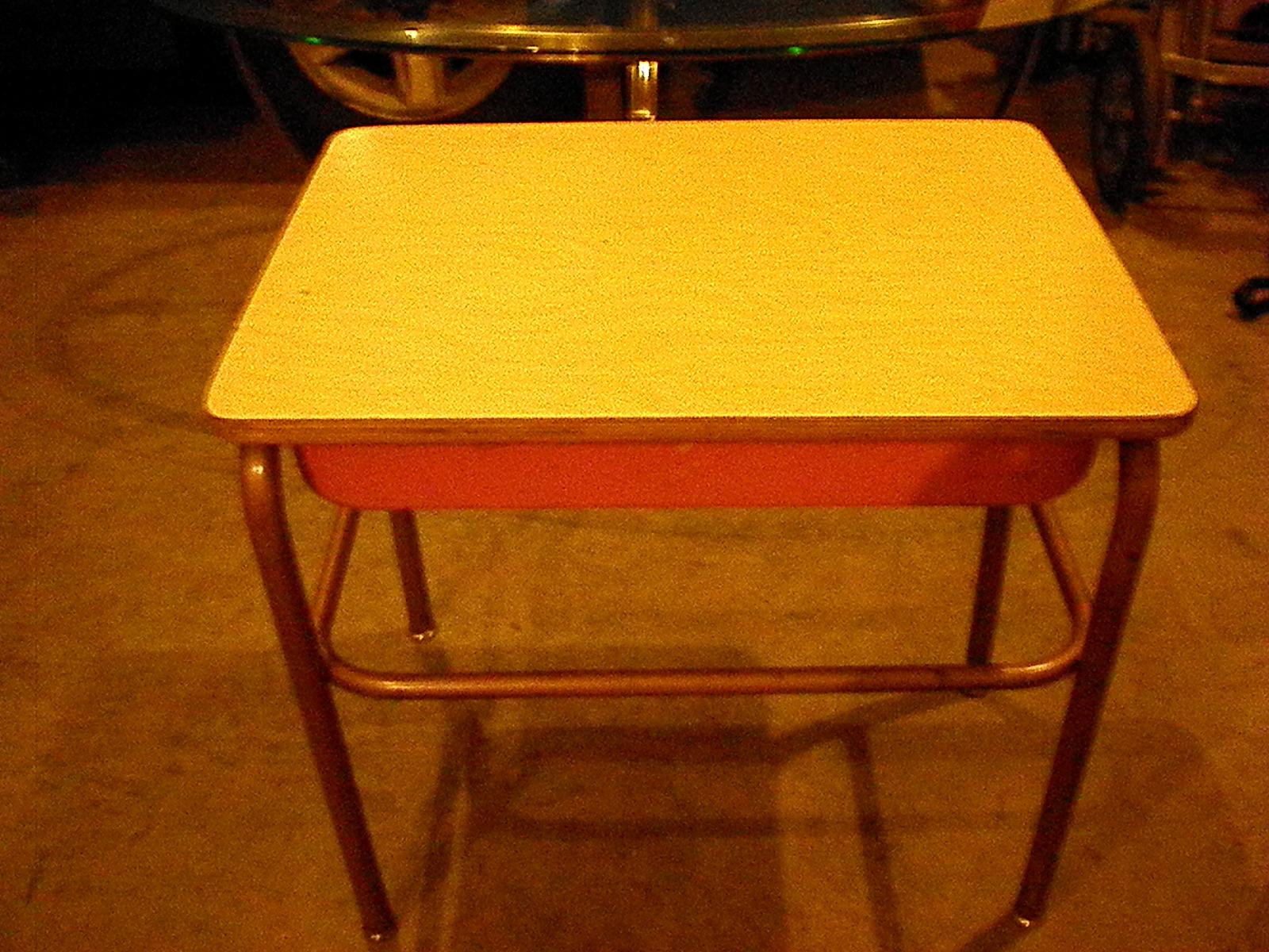Old School Desks BBT