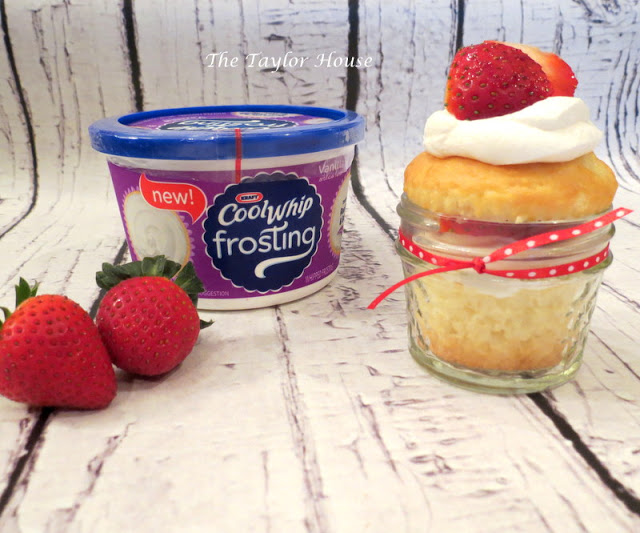 Strawberry Shortcake Cupcakes, Cool Whip Frosting, cupcakes, dessert, cool whip